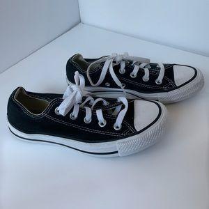 Converse all star black & white, size 6